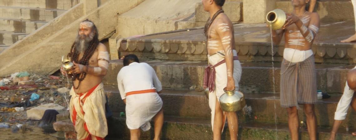 BENARÉS, INDIA: ¡La Mirada del Muerto!