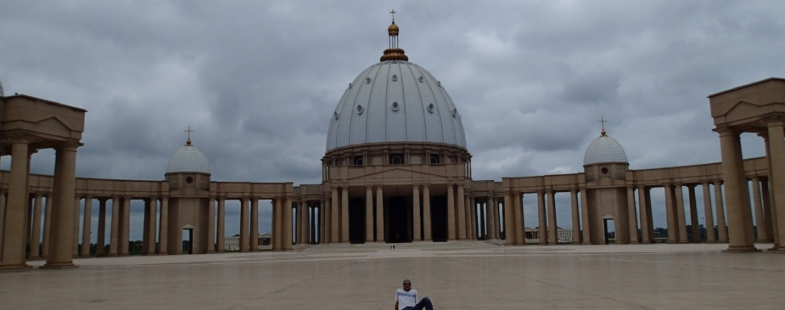COSTA DE MARFIL: ¿¿África… o el Vaticano??